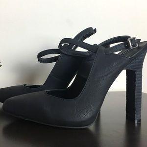 Sophia & Lee Black Pointed Toe Heels
